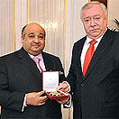 The Mayor of Vienna, Michael Haeupl, gives Gold Medal to Mohamed Bin Issa Al Jaber
